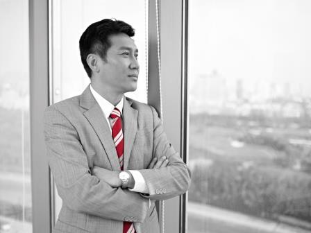 TSW Chinese businessman